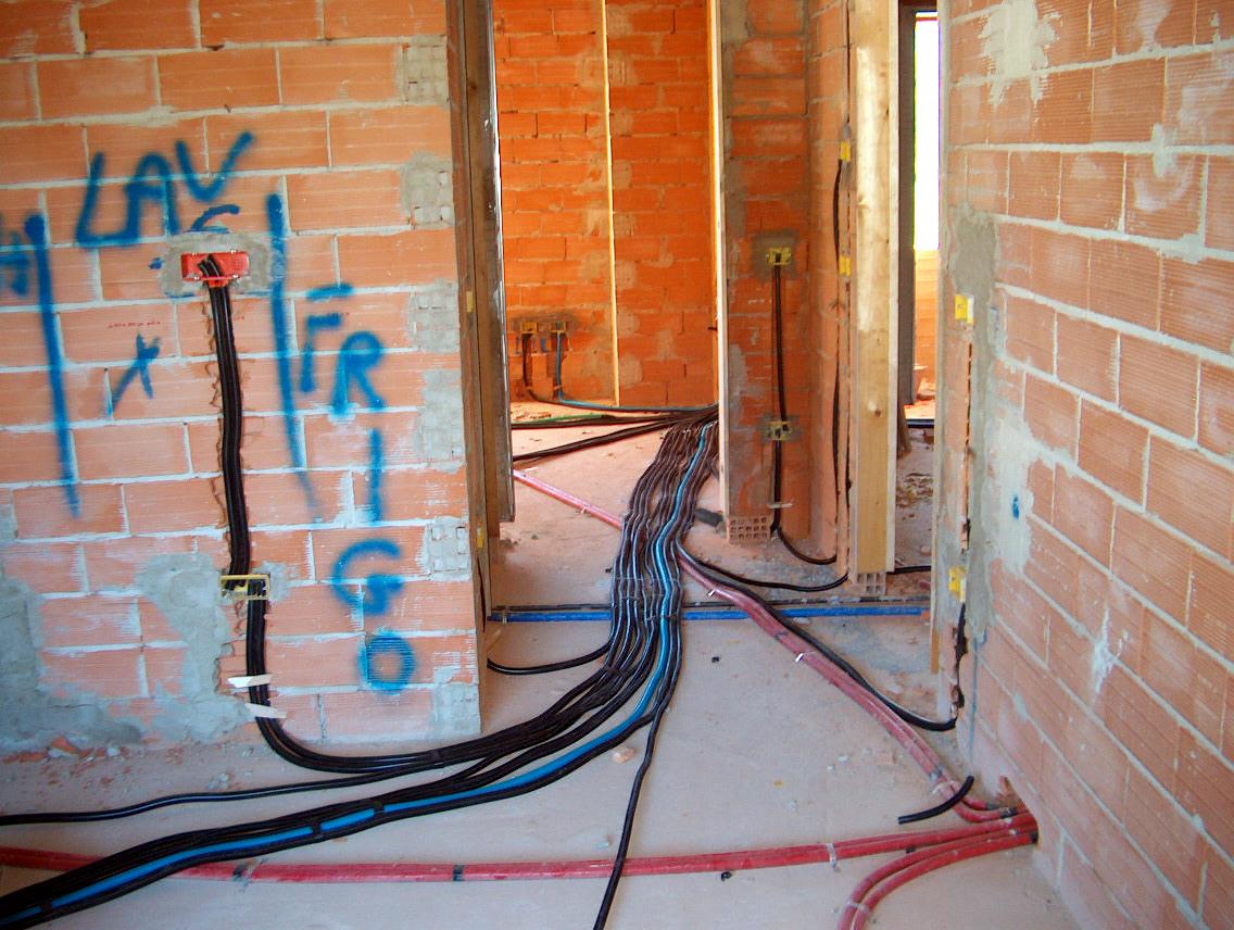 Impianto elettrico della cucina in muratura e andiamo di